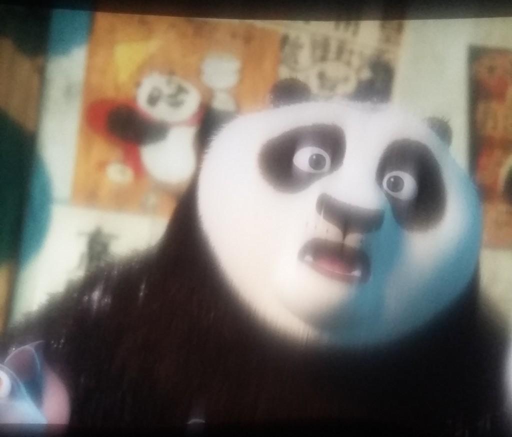 Jepretan dari layar bioskop menggunakan camera HP Samsung Grand Prime