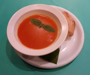 creamy tomato with basillicum and frend bread